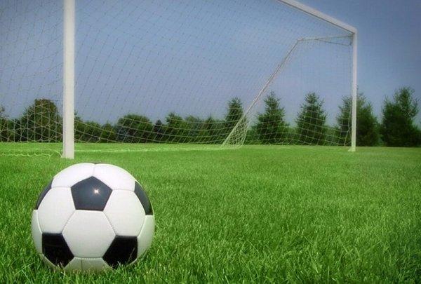 Мяч около ворот