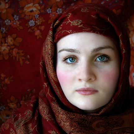 Бордовый платок